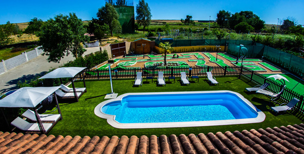 Activa parques y jardines for Casa con piscina tenerife