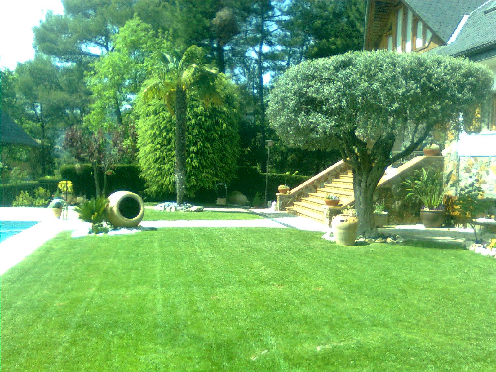 Mantenimiento de jardines albanatura for Mantenimiento de jardines